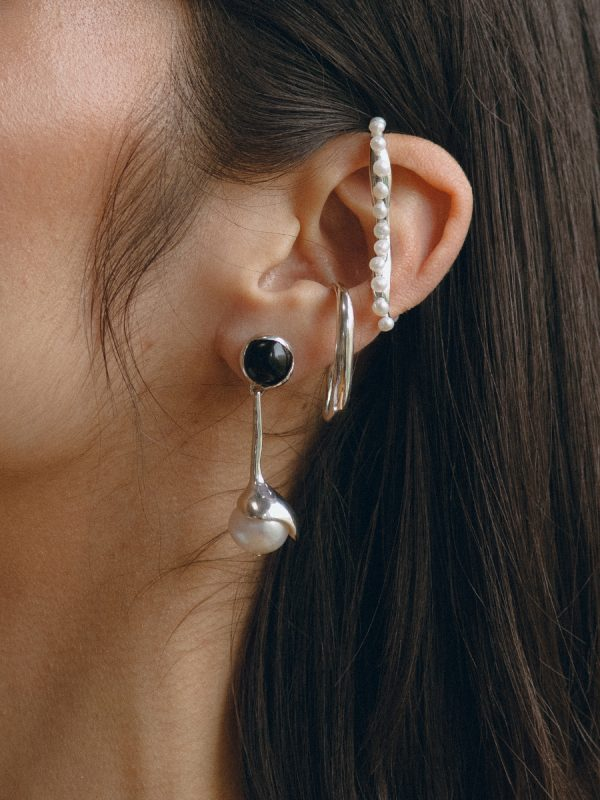 SAPPHO Earrings in Silver and Onyx by FARIS