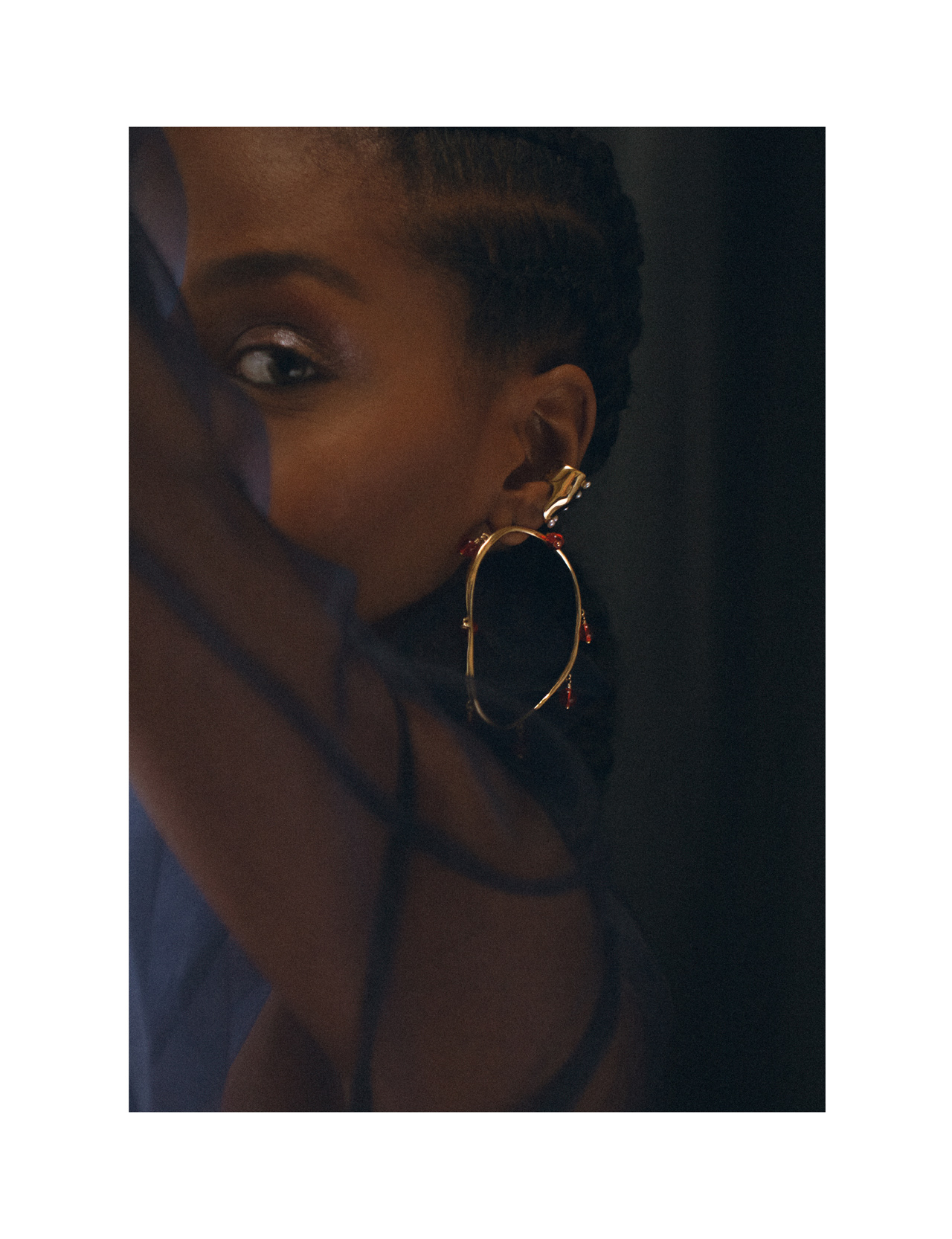 VERRE Hoops in Bronze and Roe glass and BUBBLE PERLA Ear Cuff in Bronze by FARIS
